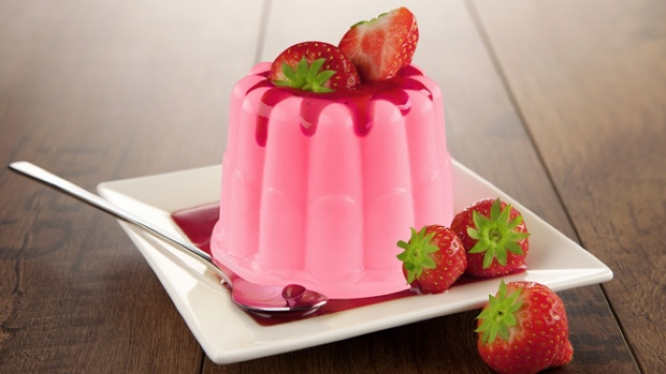 2. Puding Strawberry