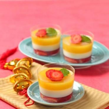 6. Puding Jeruk, Strawberry dan Sirsak